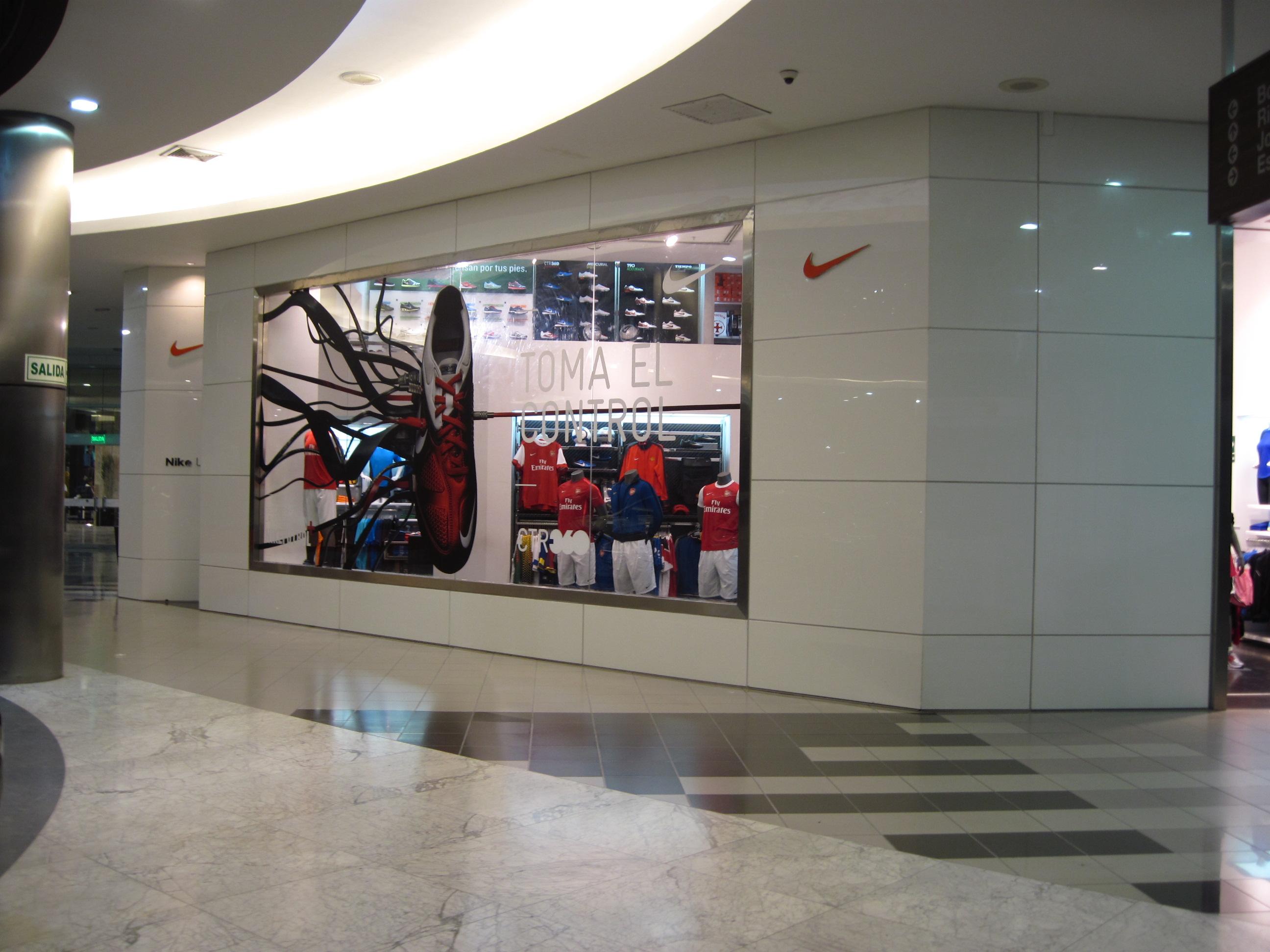 científico Irradiar distancia  Nike en Jockey Plaza | Mármol y Granito | Instalación y Venta | Cotizaciones